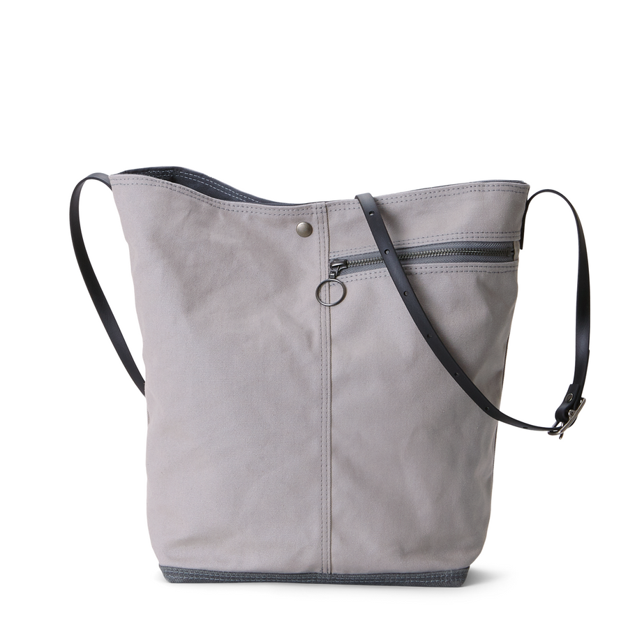 Tote no.1 in STRATUS