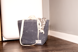 The Utility Tote - in COLA