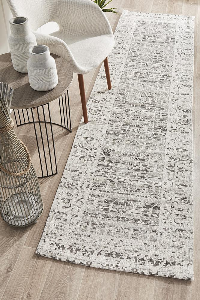 Magic 11 Rose Rug