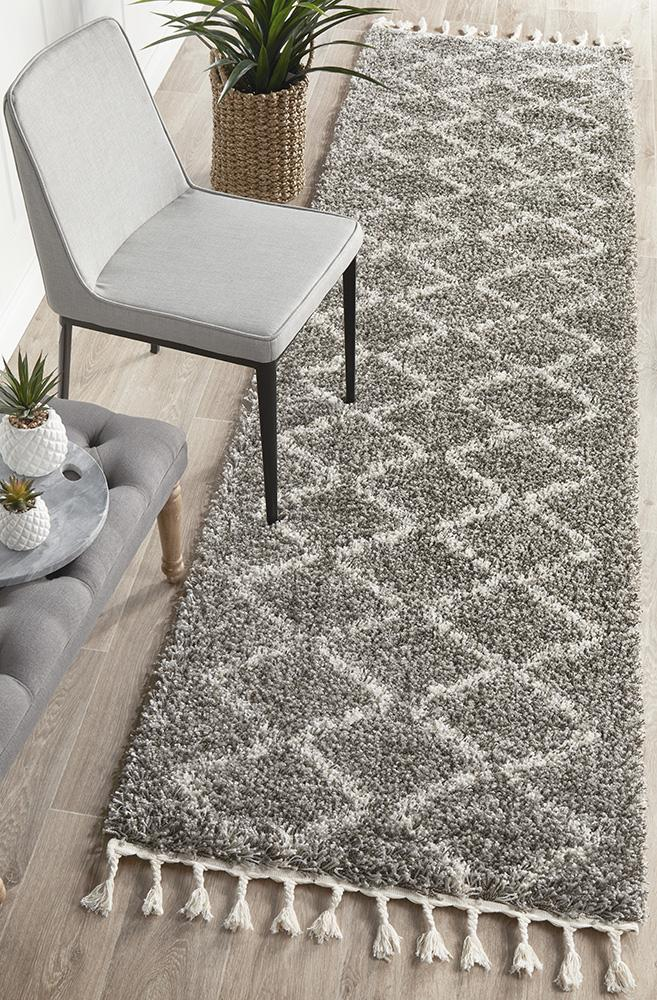 Magic 11 Silver Runner Rug