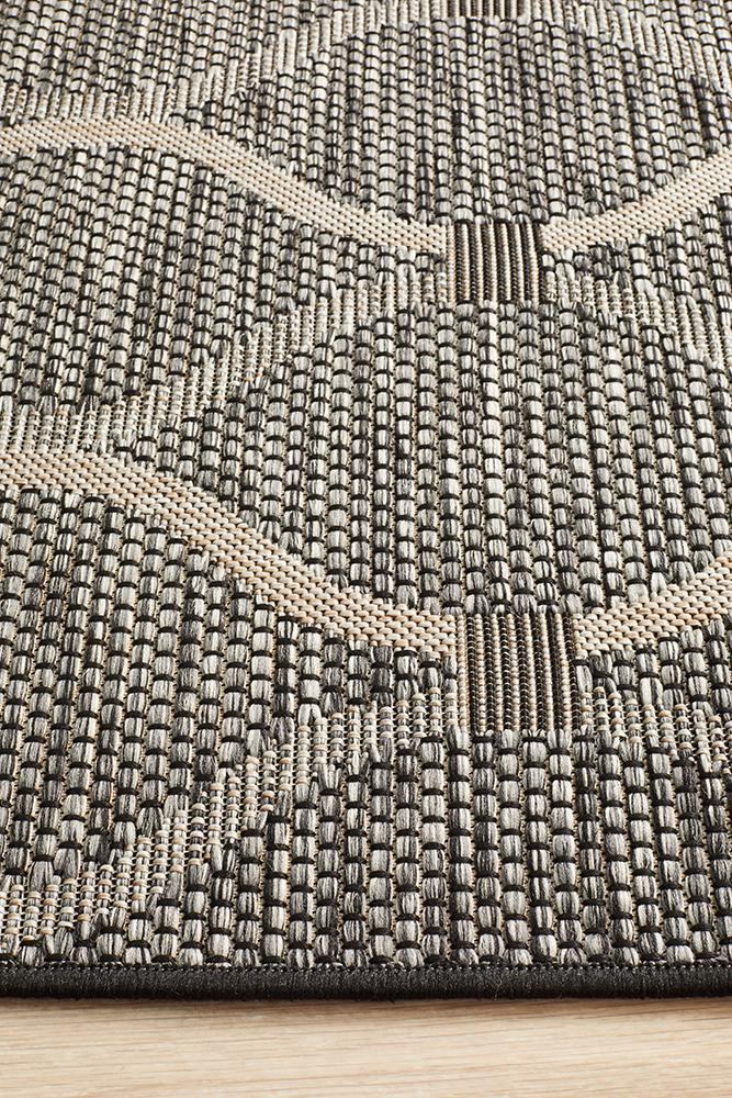 Terrace Denise Trellis Rug Black
