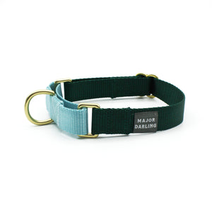 martingale collar / evergreen + ice blue