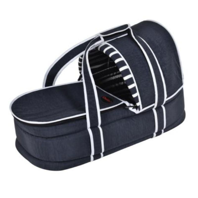 Deluxe carry cot