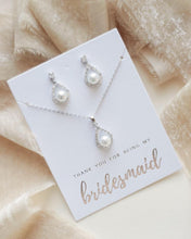 Load image into Gallery viewer, Nicole Pearl Bridesmaid Pendant Set