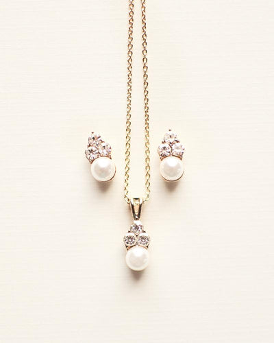 Beth Pearl Drop Pendant Set