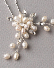 Load image into Gallery viewer, Elizabeth Freshwater Pearl Hair Pin