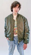 Load image into Gallery viewer, Qravers Man MA-1 Bomber Jacket black