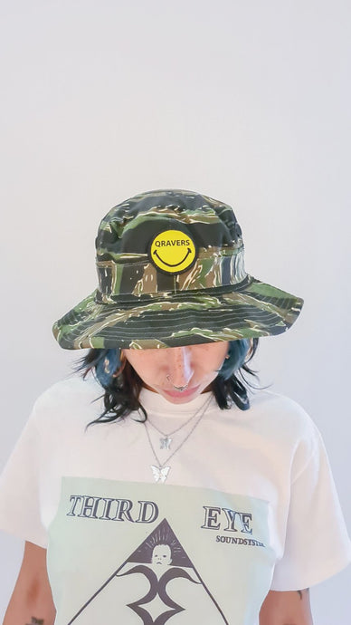 Qravers smiley face patch cargo hat camo