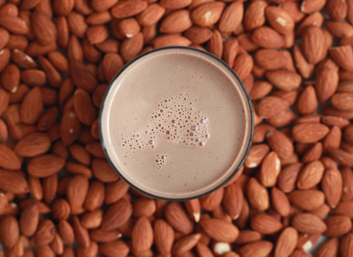 Raw Almond Mylk ~ Cacao