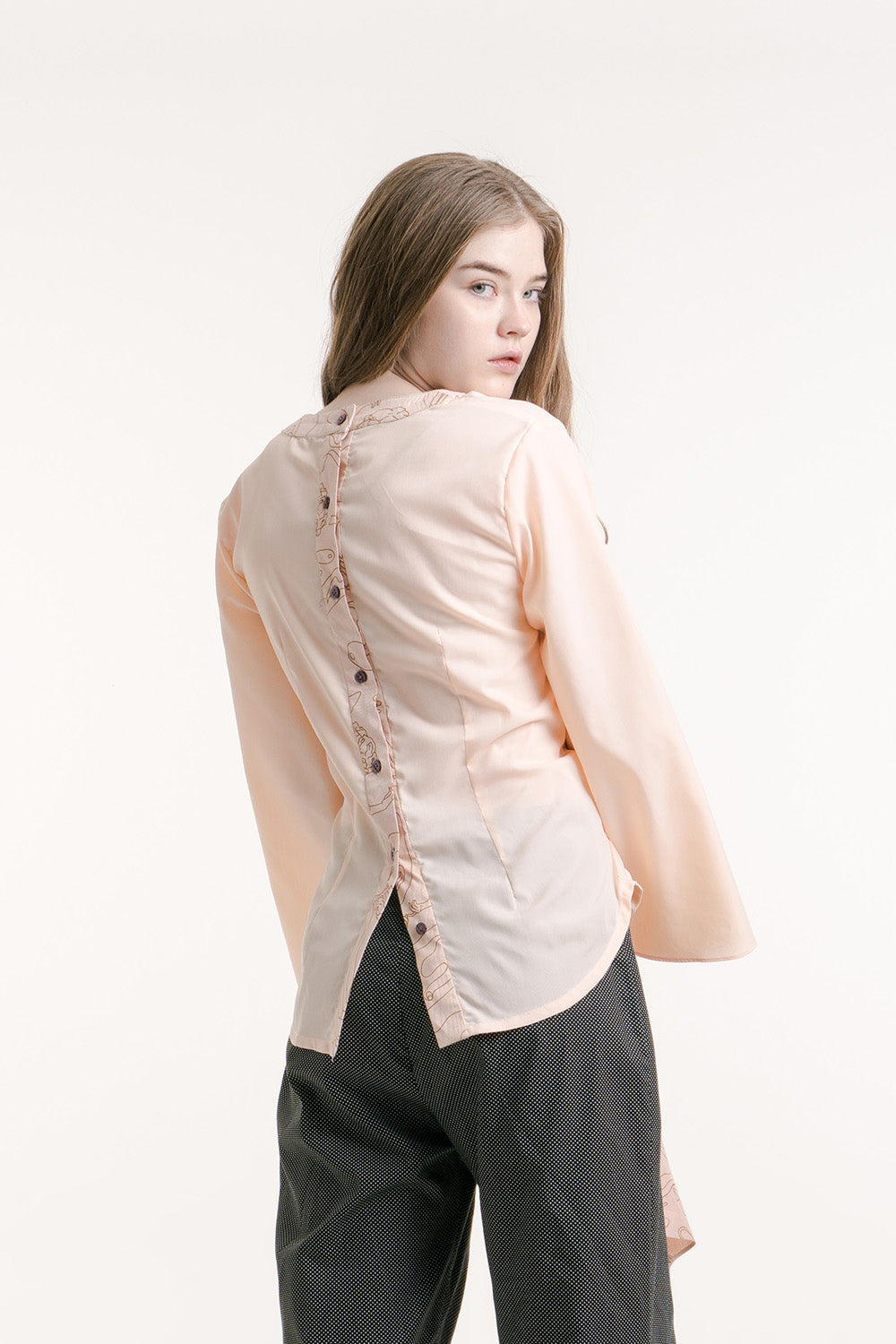BUTTONS BACK SHIRT