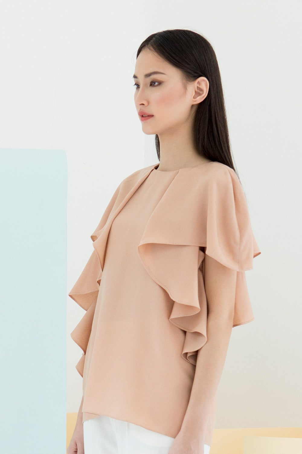 RUFFLE SLEEVED BLOUSE