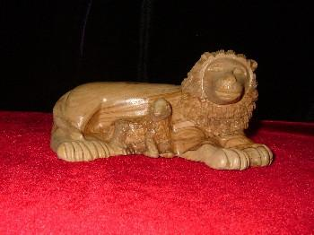 Hand Carved Olive Wood Statue: Lion and Lamb