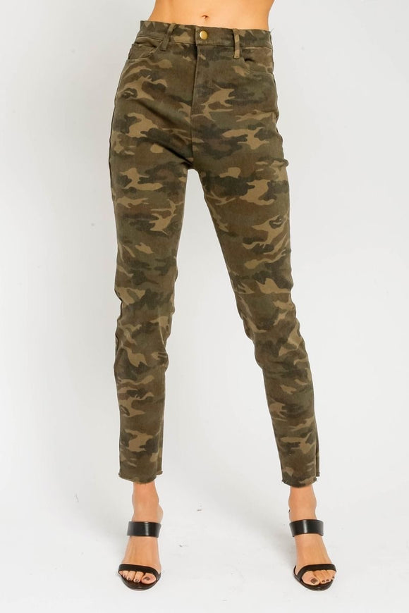 Want Attention Camo Pants