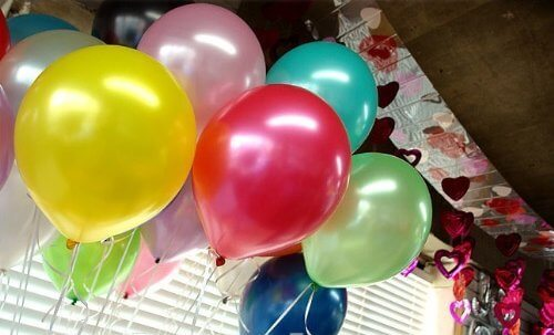 variety of colors in Metallic Latex Balloon 10pc