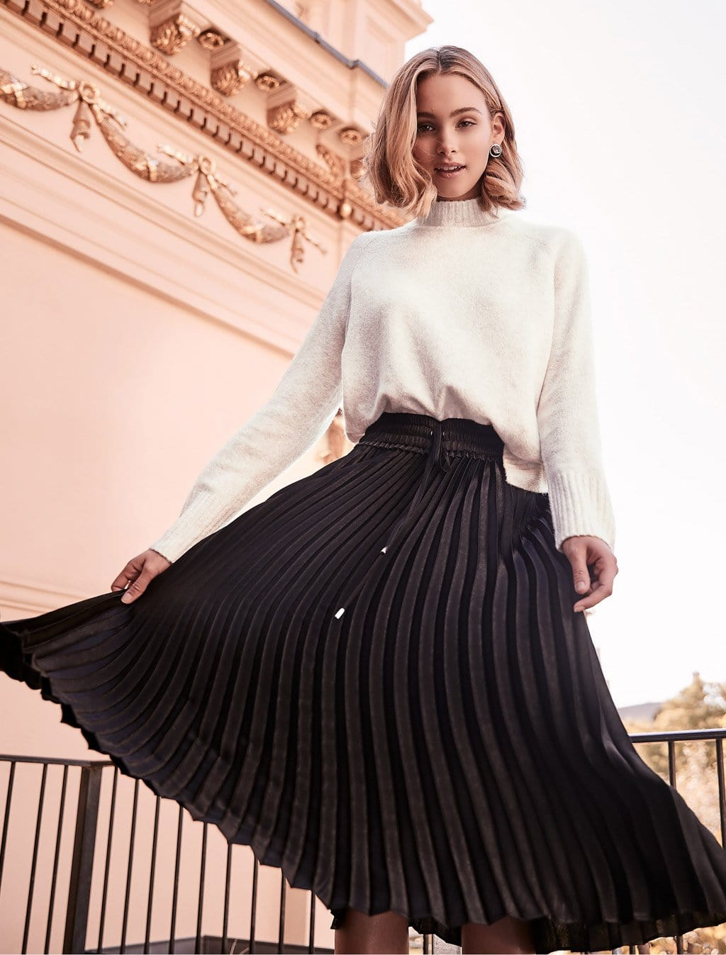 Ever New Cassie Elasticated Pleated Skirt