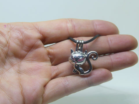 Aromatherapy Diffuser Necklace - Cat Locket