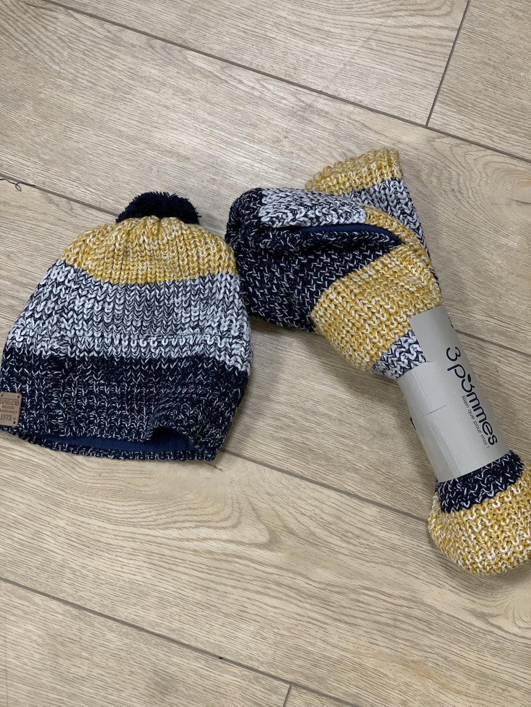 3Pommes Navy and Yellow Knit Scarf And Pom Hat Set