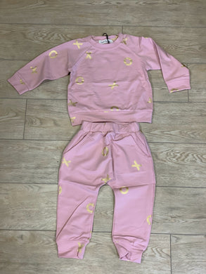 honeypiekids | Doe a Dear Girls Pink and Gold Foil XO Sweatshirt and Joggers Set.