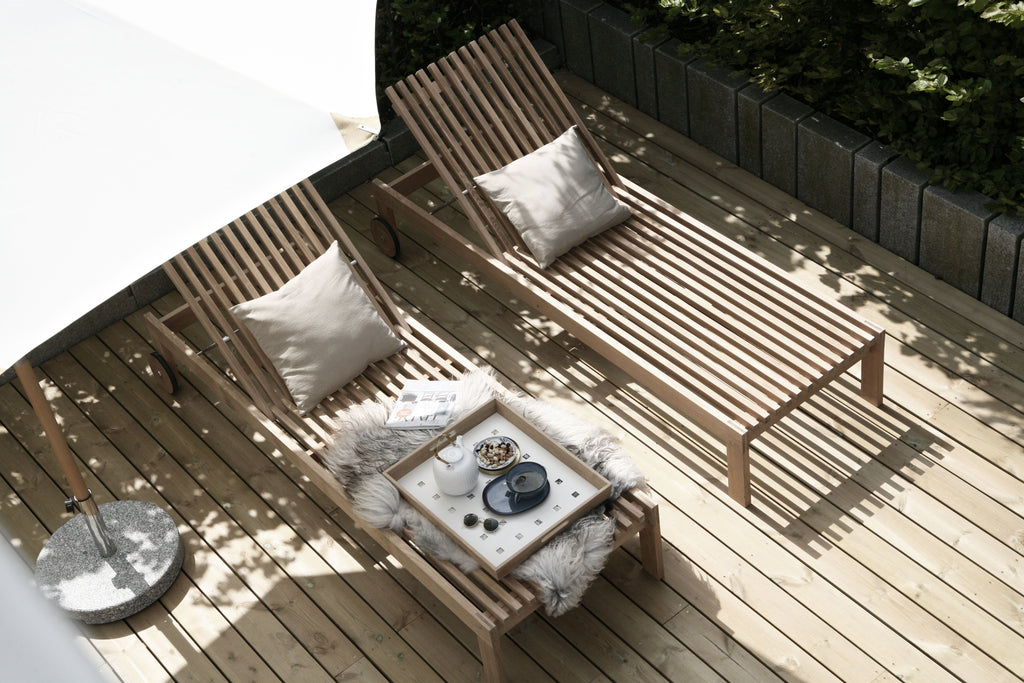 Natural sunbeds made of teak
