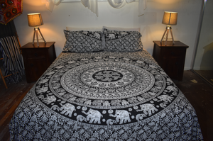 Queen Size Sheet & Pillow Case Set - Elephant Walk