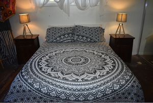 Queen Size Sheet & Pillow Case Set - Black & White Lotus