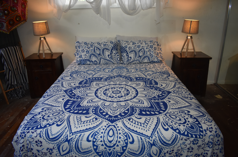 Queen Size Sheet & Pillow Case Set - Blue & White Lotus