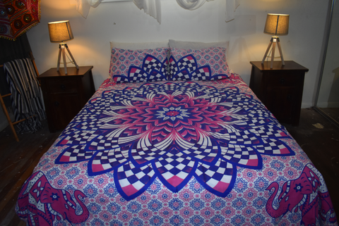 Queen Size Sheet & Pillow Case set - Pink & Purple Lotus