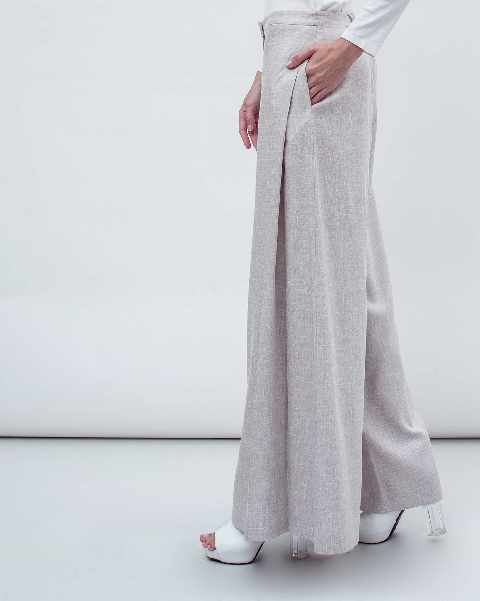 BLANC - Linen Pleated Palazzo
