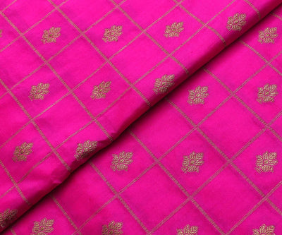 Rose  Checked Antique  Banarasi Silk Fabric With Parrot Green Small Border