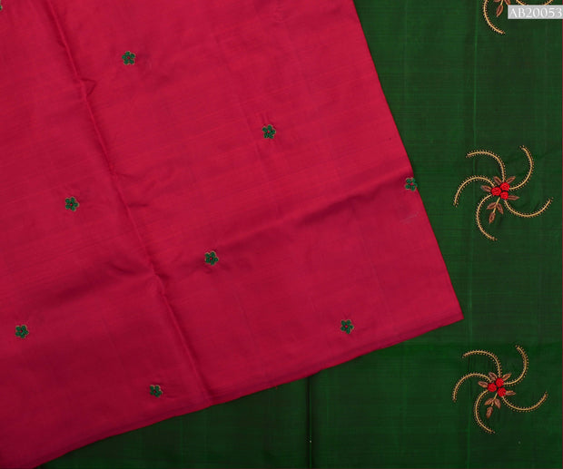 Red Kanchi Silk Saree With Green Pallu Crafted With Bullion Knots , Zardosi And Beads - With Blouse