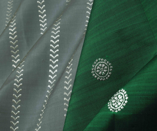 Grey Silver Kathir Line Kanchi Silk Saree With Bottle Green Pallu and Blouse