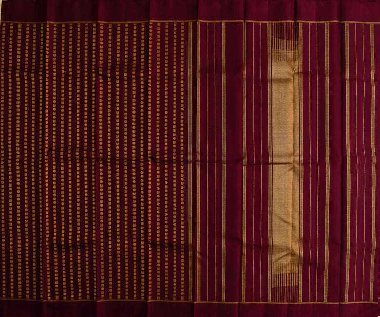V. Pakku Mayilchakaram Kanchi Silk Saree With Blouse