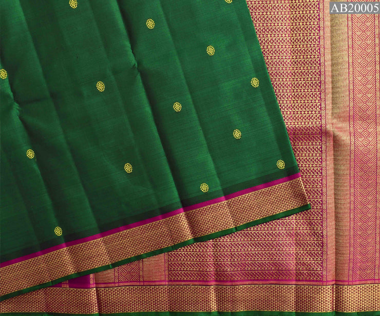 Bottle Green Kanchi Silk With Contrast Magenta Zari Border With Blouse