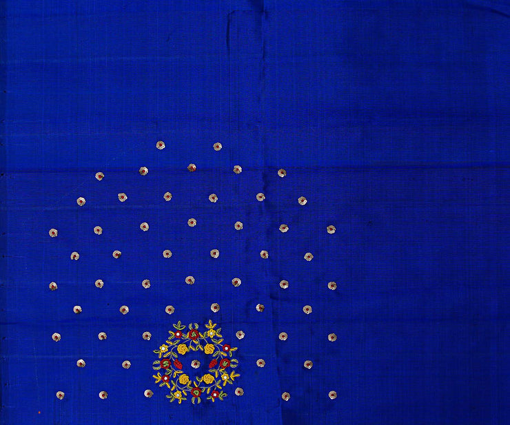 Red Kanchi Silk Saree With Sequence And Blue Pallu Crafted With Bullion Knots Floral Embroidery