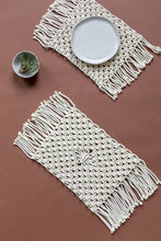 Load image into Gallery viewer, Macrame Placemats