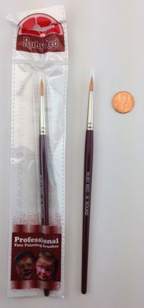 Ruby Red - Medium  Round Brush