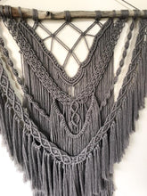 "Load image into Gallery viewer, Macrame Wallhanging ""Storm"""