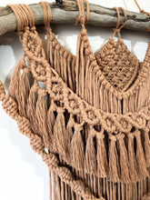 "Load image into Gallery viewer, Macrame Wallhanging ""Blaze"""