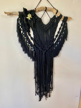"Load image into Gallery viewer, Macrame Wallhanging ""Midnight"""