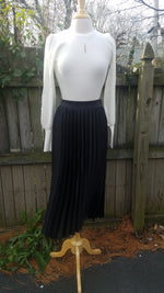 Load image into Gallery viewer, Satin Pleated Midi skirt 5072