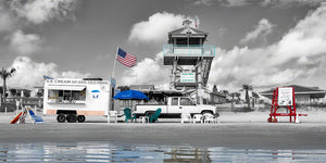 Aphotograph of a beach vendor and the life guard command center on New Smyrna Beach, Florida