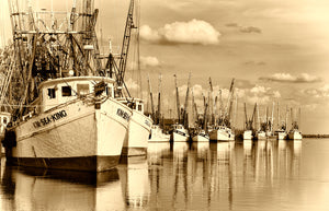 A Landscape Fine Art Photograph by Mike Ring of a shrimp Boats in Darien Georgia.