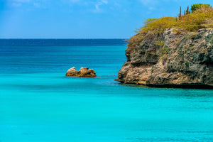 A photo of the beautiful calm turquoise Caribbean water of the leeward side of Curacao