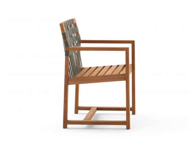 Roda Network Armchair in grau