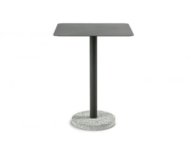 Roda Bernardo side table metal top 367
