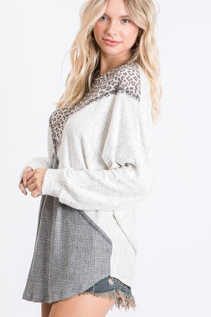 GREY LEOPARD COLOR BLOCKED TOP