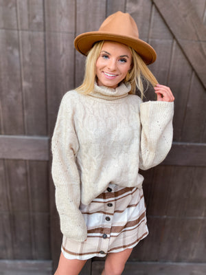 WIDE SLEEVE CABLE SWEATER