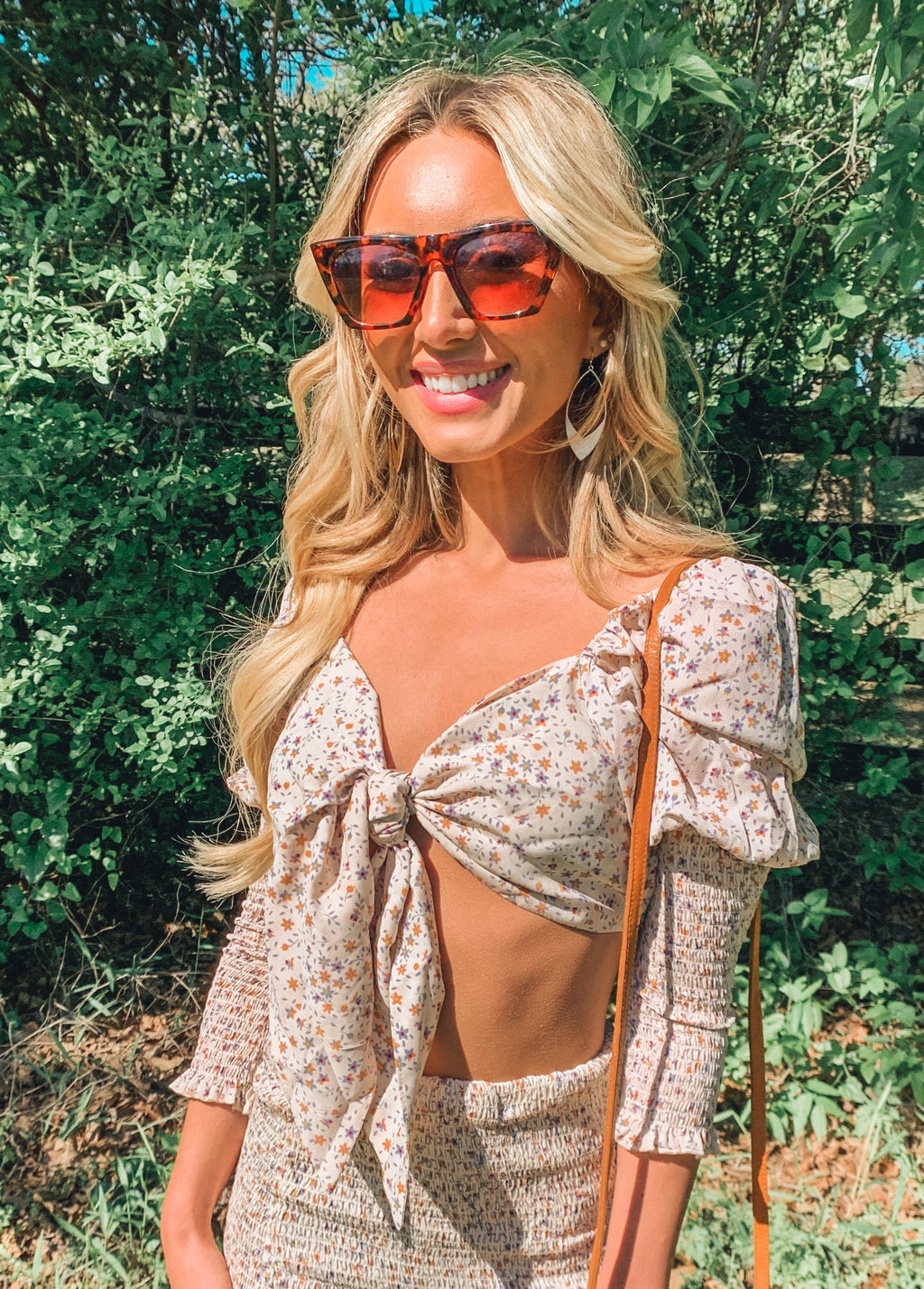 MULTI FLORAL SWEETHEART FRONT TIE CROP TOP