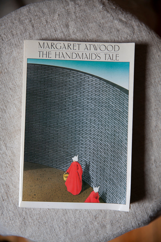 First Paperback Edition of Margaret Atwood - The Handmaid's Tale (1986)