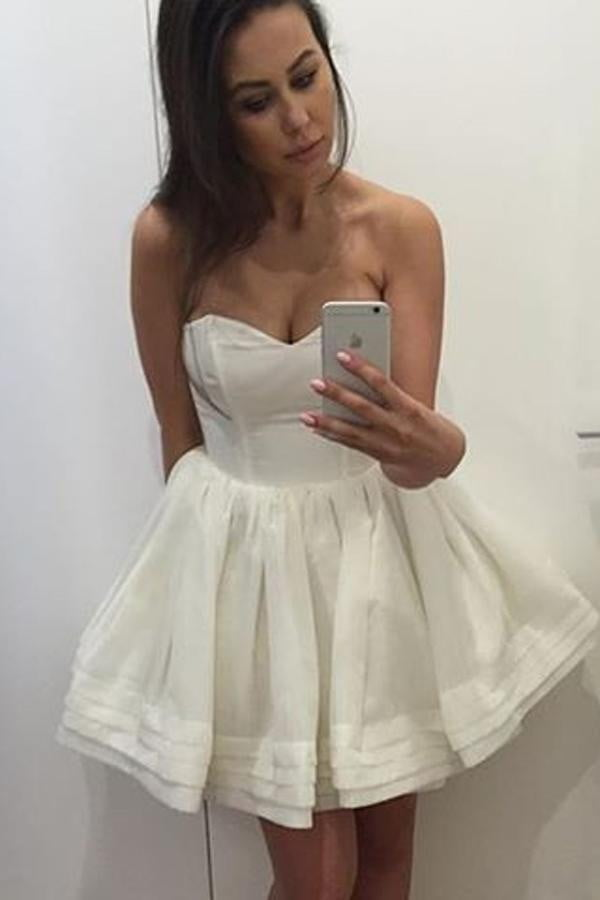 White Sweetheart Strapless Homecoming Dress,A Line Mid Back Short Prom Dress H218